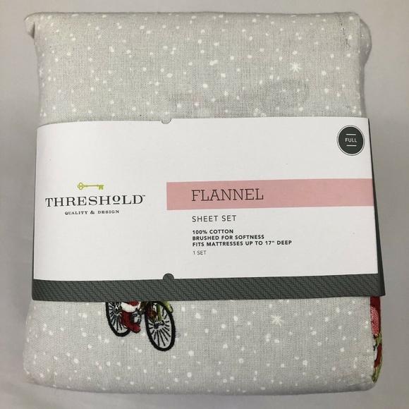 Threshold Flannel Twin Sheet Set Santa on Bike